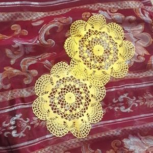 Doily Yellow Pair floral